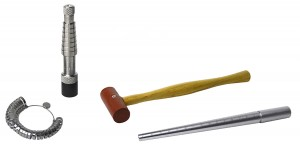 """Ring Stretcher w/ 1"""" Rawhide Hammer Ungrooved Steel Mandrel and Sizer"""