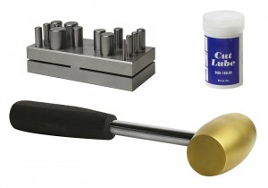 14 Piece Metal Disc Cutting Kit with Brass Hammer and Cut Lube