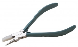 """5-3/4"""" Wubbers ProLine Series - Flat Nylon and Metal Round Nose Pliers"""